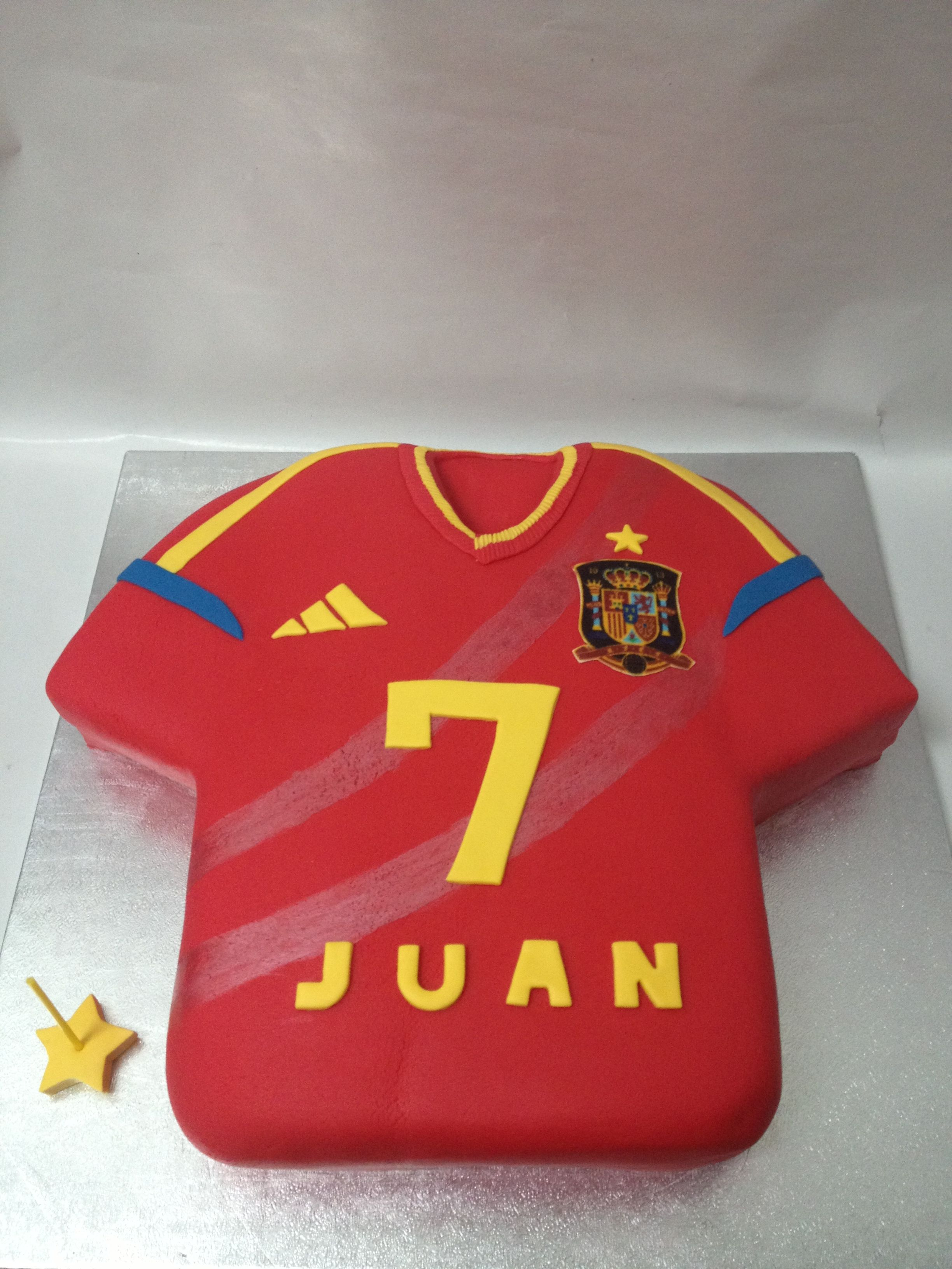 Spanish Football Team T Shirt Cake Diy Projects To Try Pinterest