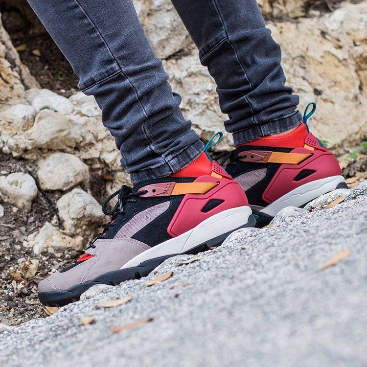 official photos a4fe9 87908 Nike ACG Air Rivaderchi