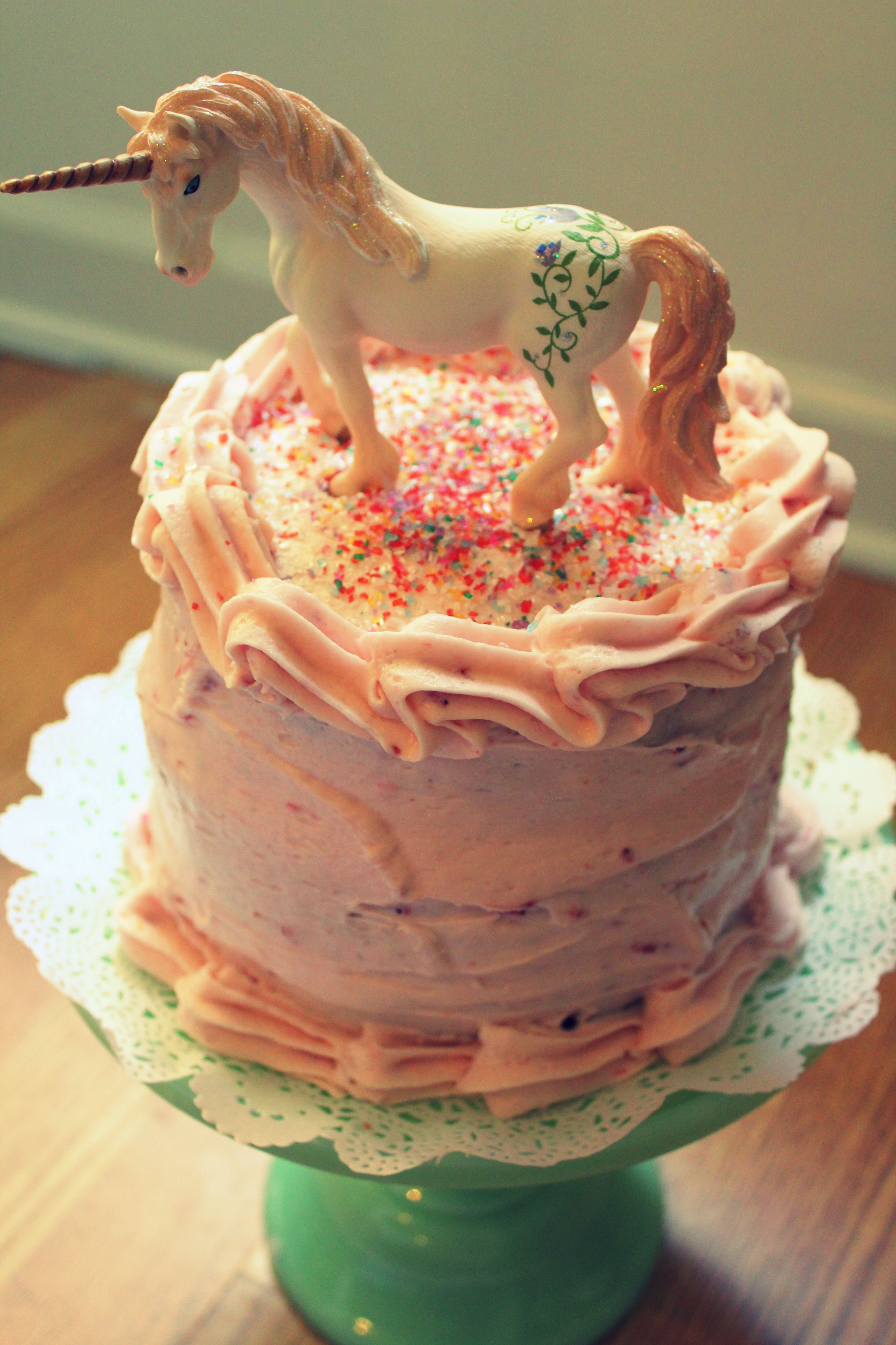 Magical unicorn cake please can i have this for my