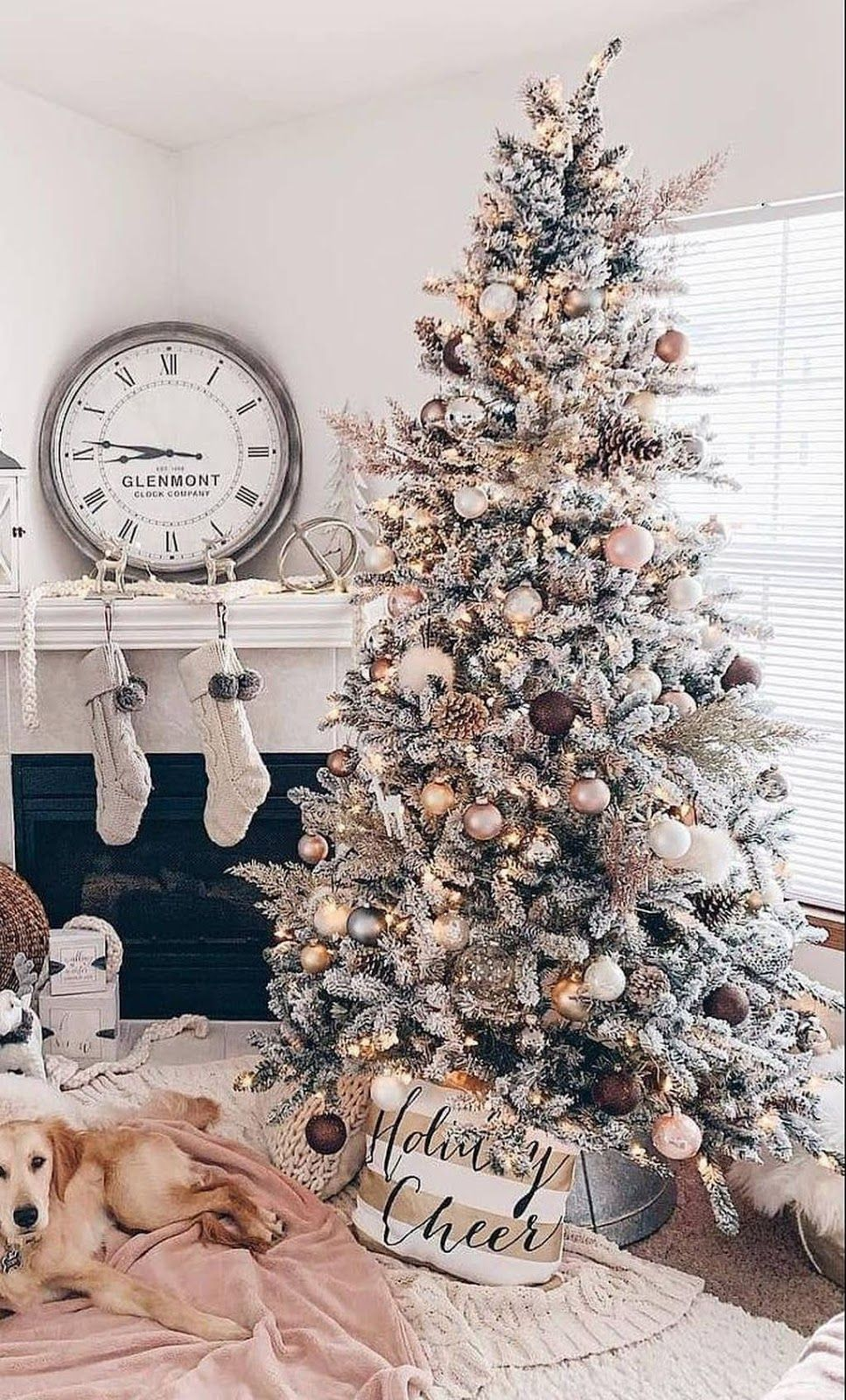 Awesome Christmas Tree Decoration Ideas For New Year 2020 Christmas Tree Inspiration Pretty Christmas Trees Christmas Tree Themes