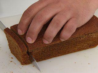 <p>Para brilhar numa recepção, prepare saborosos canapés com pão de especiarias.</p>