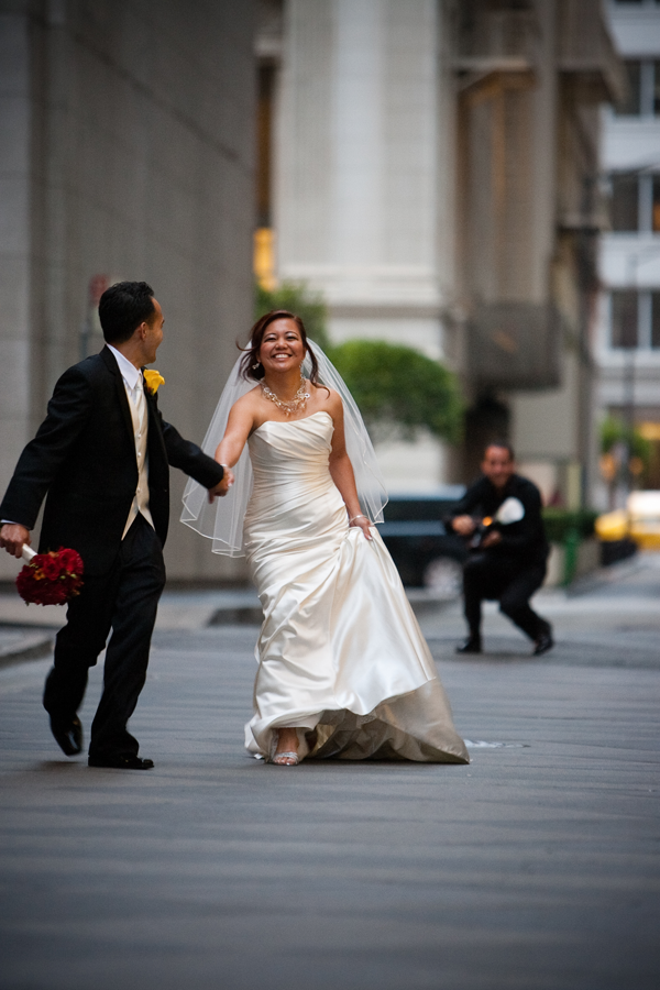 Last minute wedding? No problem. I planned a wedding in one week. Read about it on the blog! | Photography: Vasna Wilson: http://www.vasphotography.com/ |   http://blog.mangomuseevents.com/2015/08/13/one-lucky-couple/