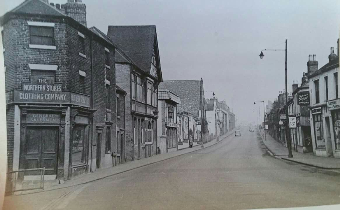 Bridge Street Stores >> Liverpool Road With The Gardeners Arms Pub On The Left