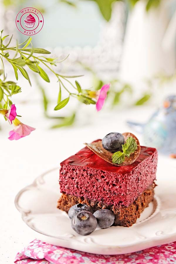 brownie z jagodowym musem - brownie with blueberry mousse