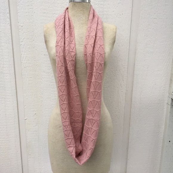 Soft dusty pink infinity scarf Adorable and lightweight infinity scarf in soft pink crochet by forever 21. Custom stitched together to make an infinity scarf. Nice condition ready for winter. Forever 21 Accessories Scarves & Wraps