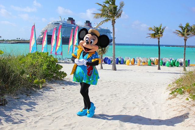 Minnie Mouse At Castaway Cay Castaway Cay Disney Cruise Line Disney Cruise