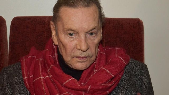 Sein Gesundheitszustand gilt schon länger als kritisch,  jetzt zieht Helmut Berger die Reißleine. Wie er in einem Interview bekanntgibt,  beendet der 75-Jährige seine Schauspielkarriere. Er gilt als Schauspiellegende,  Skandalnudel und Exzentriker: Helmut Berger. In seiner langjährigen Karriere ließ d