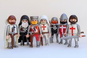 Le Coffre A Jouets Photos De Playmobil Playmobil Toys Toy Display Lego Knights