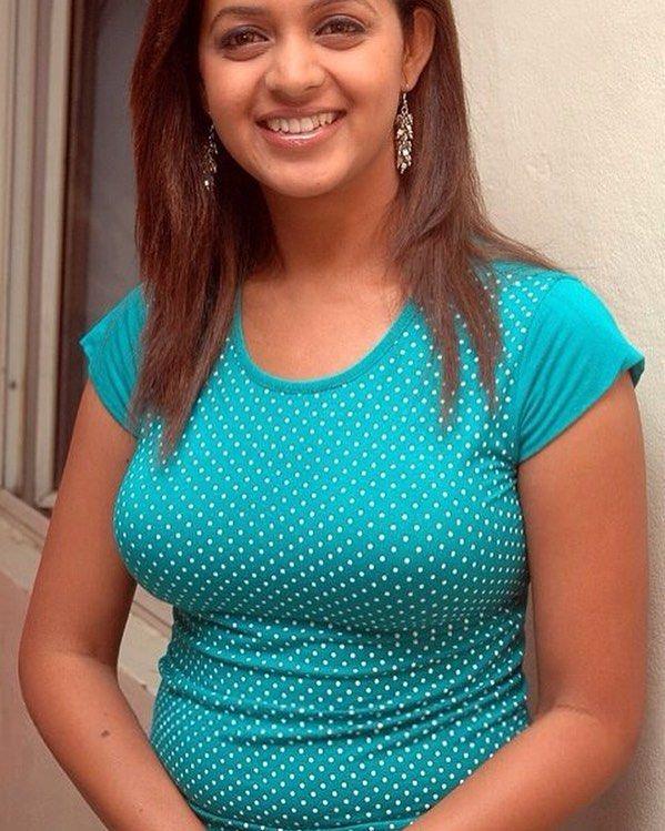 Bhavana Hot Sexy Bhavana In Tight Shirt Running Likelike Followback Followfollow Saree Navel By Actressesofindia