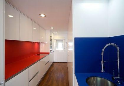 Cocinas encimeras de cocina silestone colore rosso monza for Tirar muebles madrid
