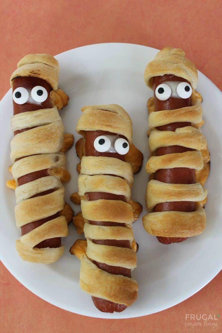Mummy Hot Dogs #mummyhotdogscrescentrolls