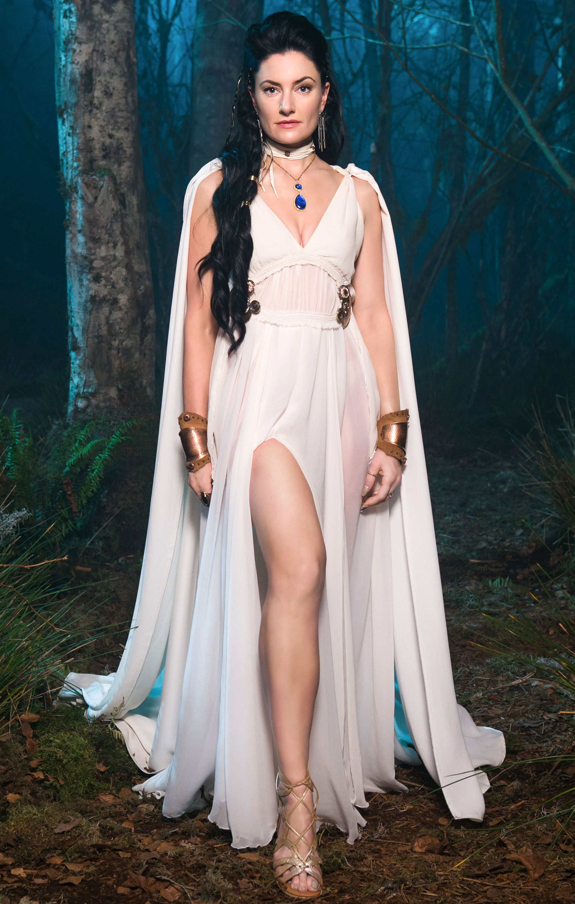 Madchen Amick Talks Witches Of East End Season 2 Finale The