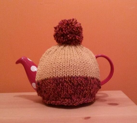 Bobble Hat Teacosy large (4-6 cup)  £10.00