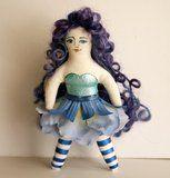 twenty pound tabby: Tutorial: Making a Tiny Doll Part 1 - using a Freezer Paper Pattern