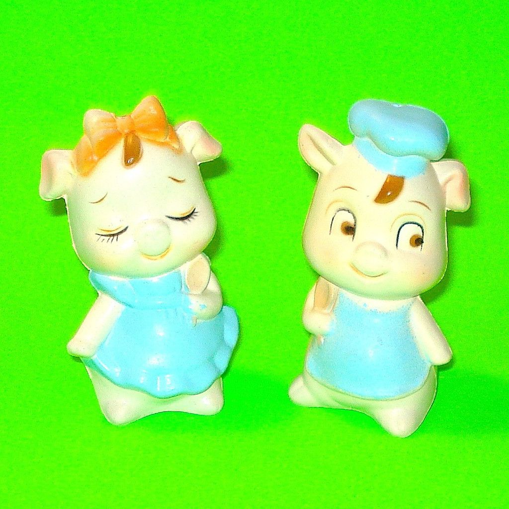 Pretty Piggies Salt & Pepper Shakers