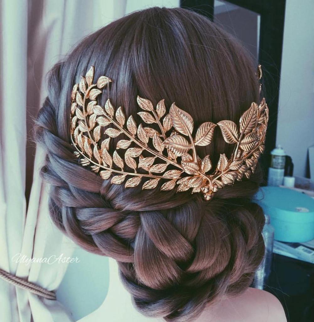 20 Best Greek Hairstyles We Re Obsessed With Greek Hair