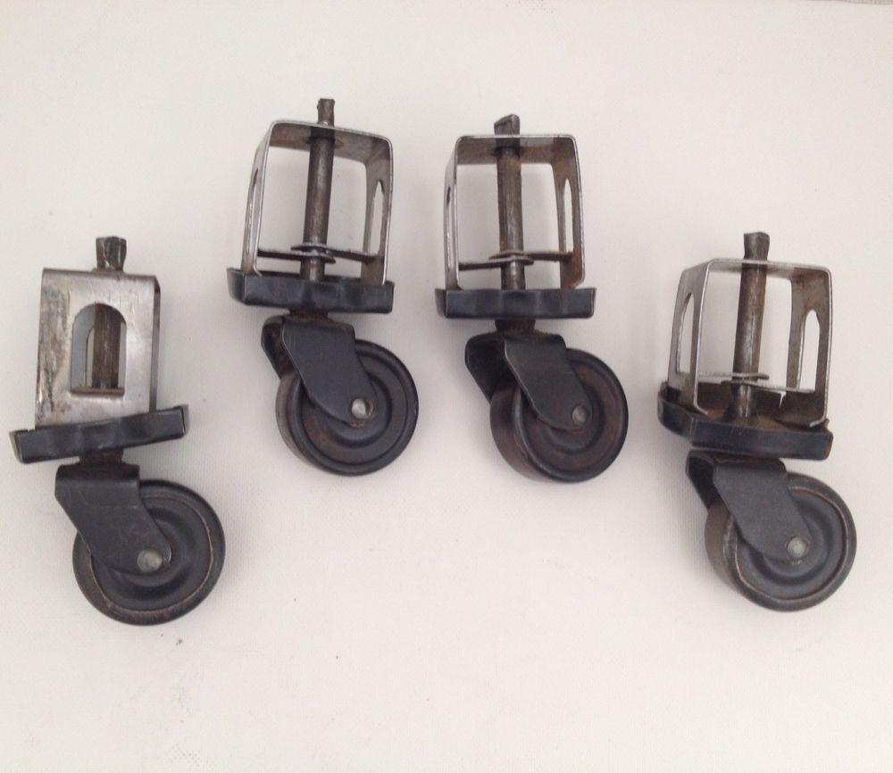 Rotating Caster Wheels Set Of 4 Vintage Caster 1 1 2 Inch Wheel Clip On Stem Ebay Vintage Casters Vintage Hardware Casters Wheels