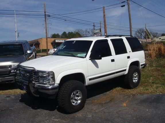 1999 Chevy Tahoe Almost Identical To Mine I Need Me A Brush
