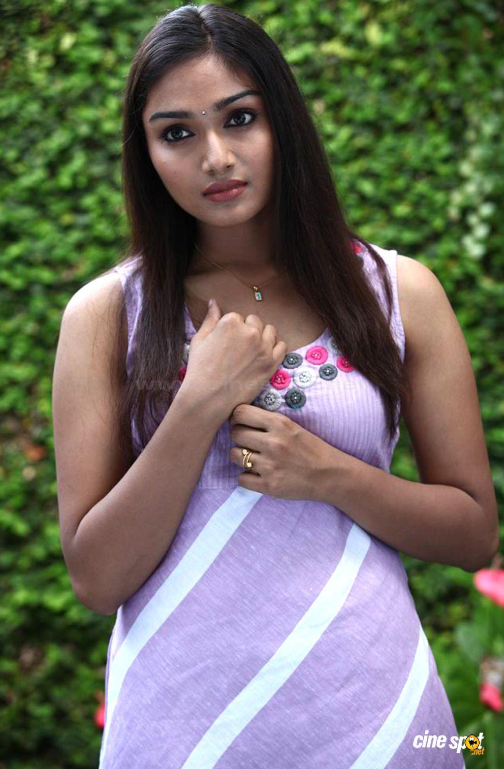 Watch Aishwarya Devan video