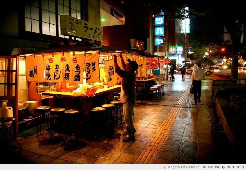 Yatai-Fukuoka-01.jpg (800×552)