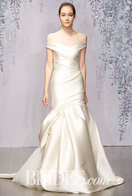 Monique lhuillier fall 2016 monique lhuillier fall 2016 and brides monique lhuillier wedding dresses fall 2016 bridal runway shows brides junglespirit Gallery