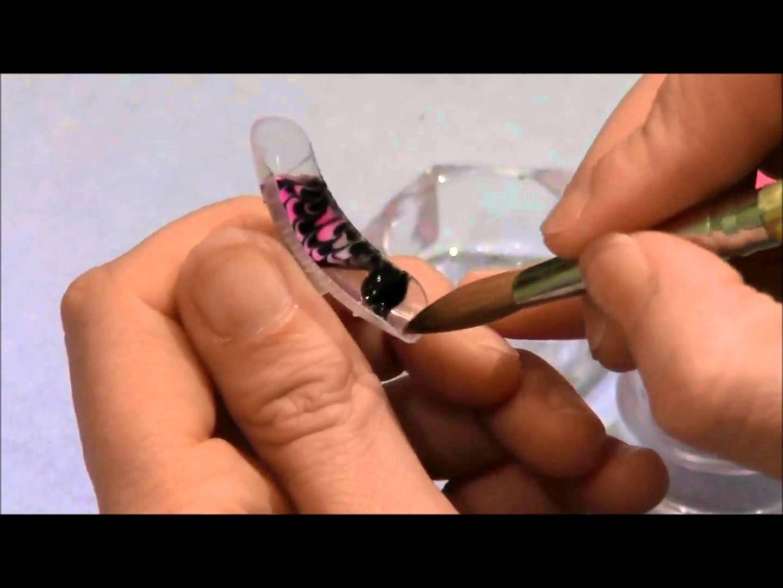 Diseño de mariposa en uñas acrilicas con molde | Uñas | Pinterest ...