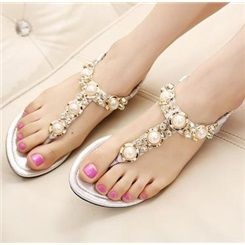 Charming Beading Rhinestone Clip Toe Flat Sandals