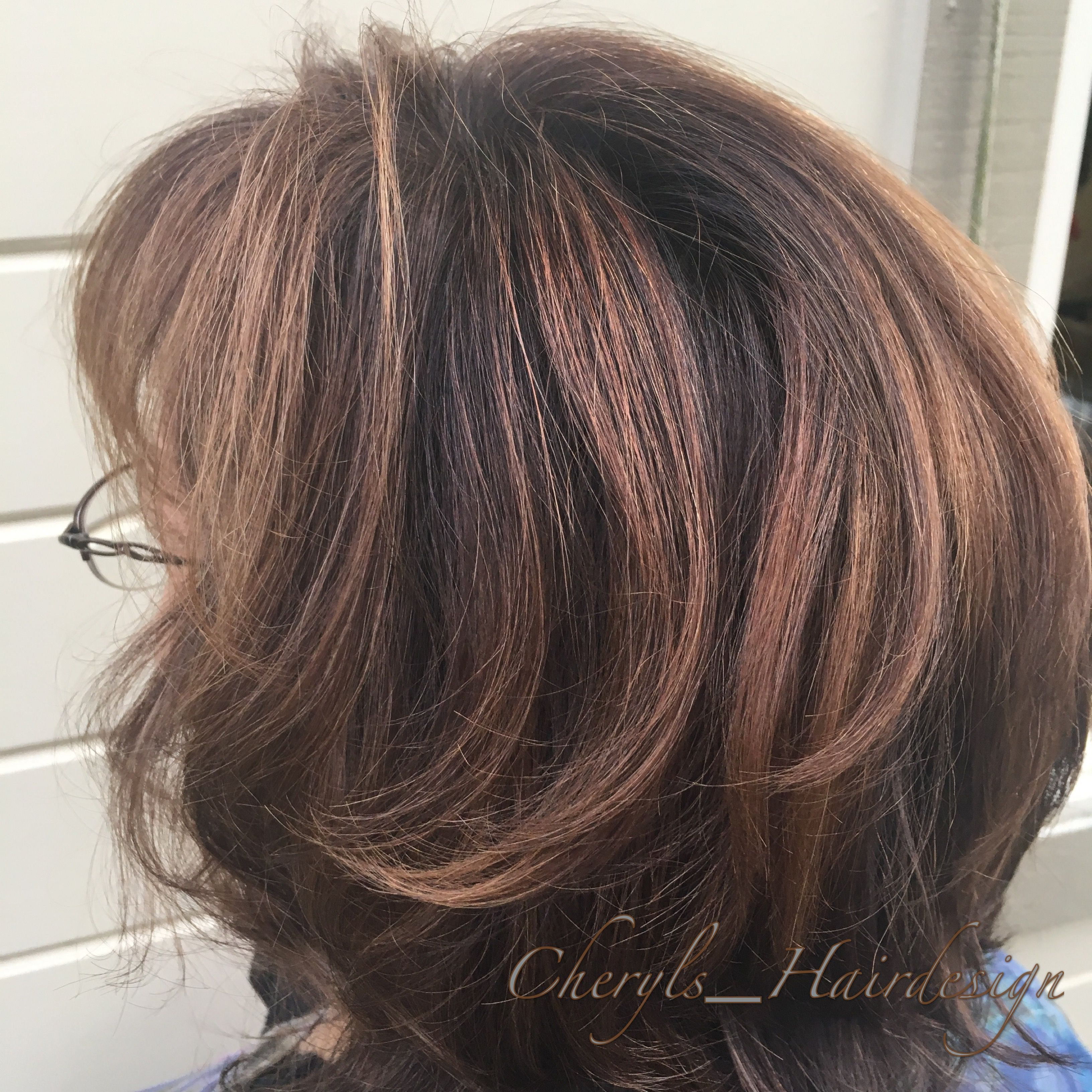 Soft Dimensional Hair Color Created With A Balyage Technique Stacked Bob Haircut With Lots Of Volume Cabelo