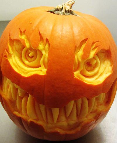 ghoulish gourds extreme jack o 39 lanterns halloween. Black Bedroom Furniture Sets. Home Design Ideas