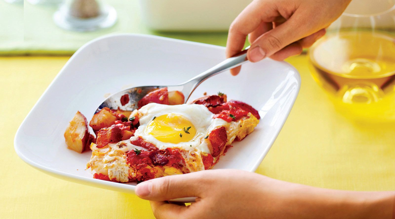 This decadent bacon, egg and hash brown cups recipe is simple to make. Your family will be demanding them every weekend. Try this recipe from Sobeys.