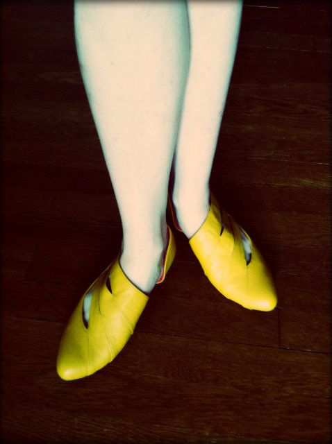 Yellow ShoesHonestly, you'd think from posts like Ghost Feet and all my random shoe photos that I have a shoe…View Post