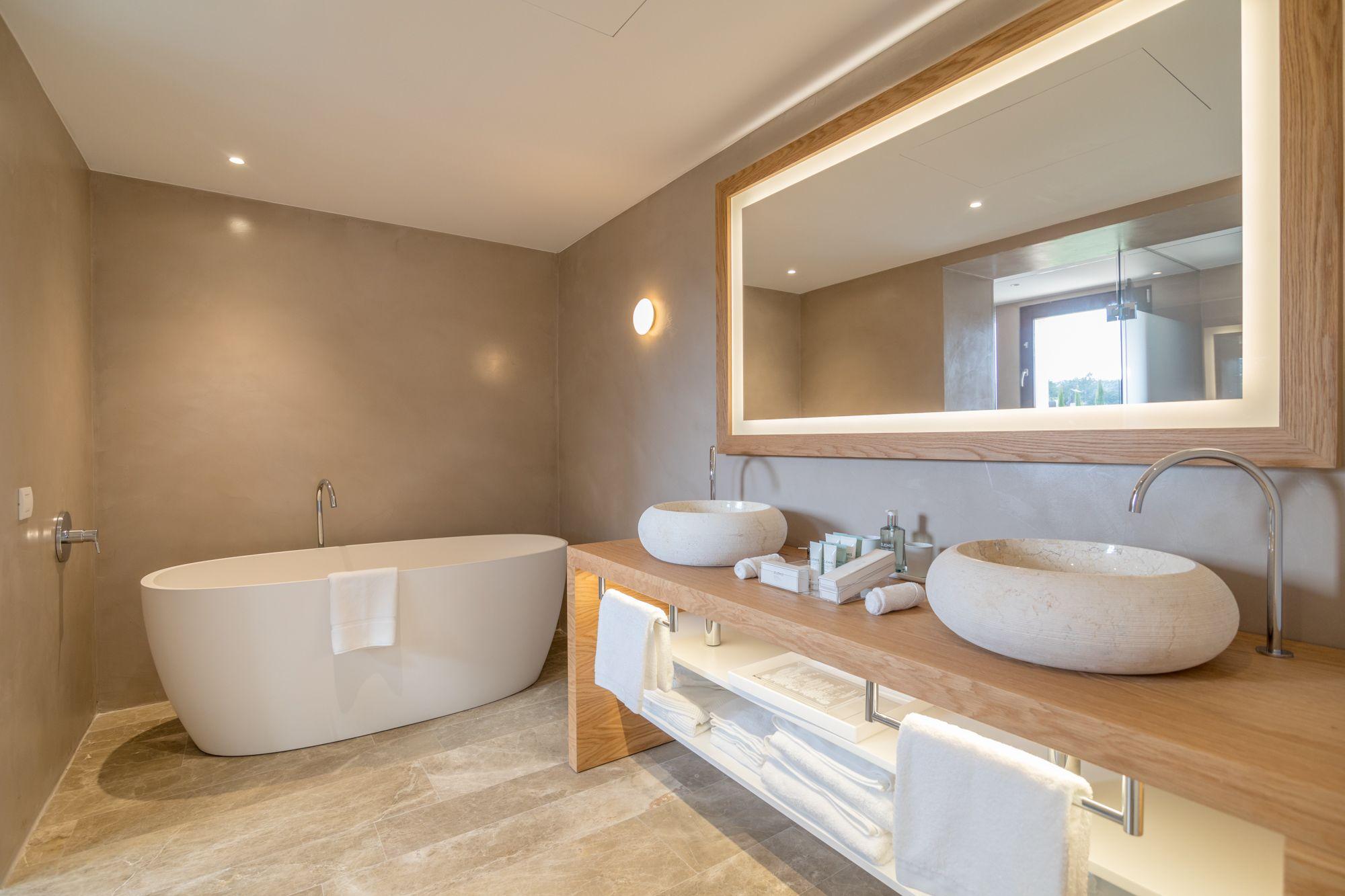 Mobiliario de baño y espejo con luces led. | Espejo con ...