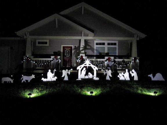 A Full Nativity Scene At Night With Spotlights Looks So Beautiful Outdoor Nativity Scene Outdoor Nativity Nativity Scene Sets