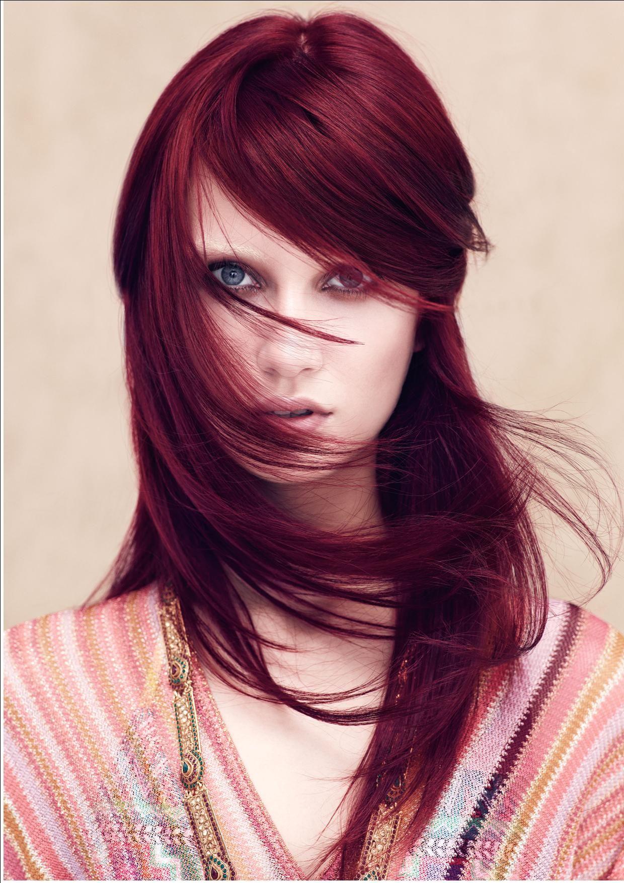 Elige el color de cabello perfecto con rizos rizos