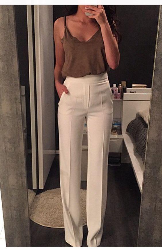 Come indossare i pantaloni bianchi.