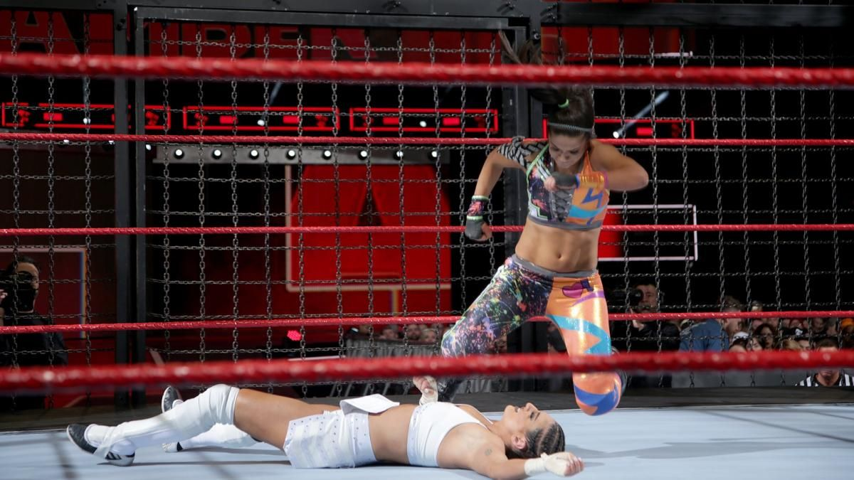 Photos Team Red Ladies Lay It All On The Line In Jaw Dropping Elimination Chamber Match Women S Wrestling Wwe Womens Match