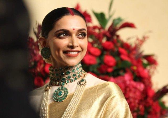 #Deepveer Deepika Padukone at her Wedding Reception # ...