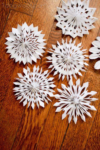 Los copos de nieve medallón |  Uno de perro Woof |  #papercrafts #winter #holidays