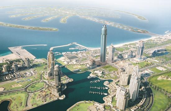 Princess Tower The Largest Residential Tower See Apartments In Princess Tower Here Http Www Bayut Com Dubai Marina Princess Tow Princess Tower Dubai Tower