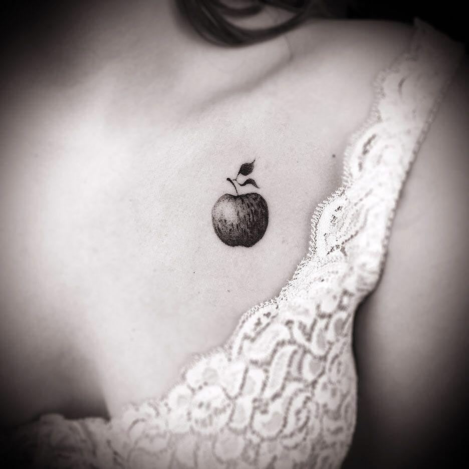 Tatuaje De Manzana, Tatuaje De Piña Y