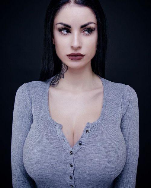 Pin on Other Beautiful Women