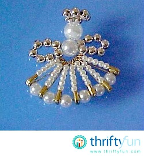 8 fun diy safety pin crafts apparently you can make cool for Safety pin and bead crafts