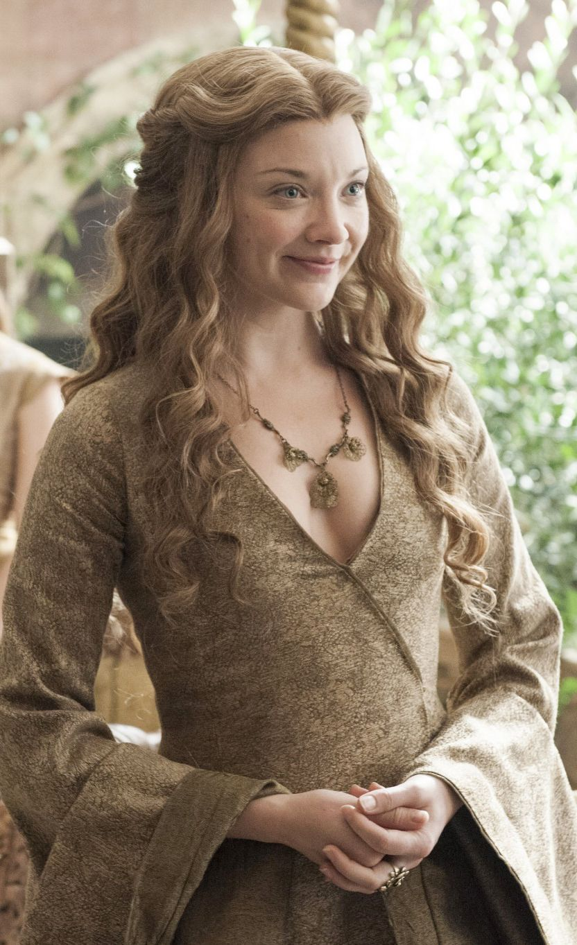 Game of Thrones girls Gwendoline Christie and Natalie ... |Natalie Dormer Game Of Thrones Dress