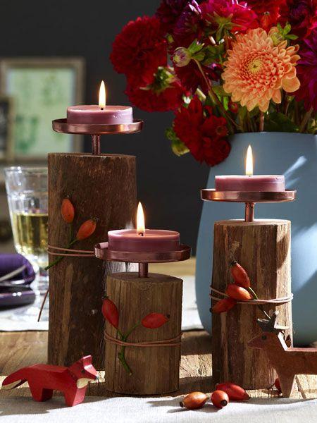 Herbstliche tischdeko in blau rot und braun laternen kerzen lichter herbstliche tischdeko for Tischlaterne basteln herbst