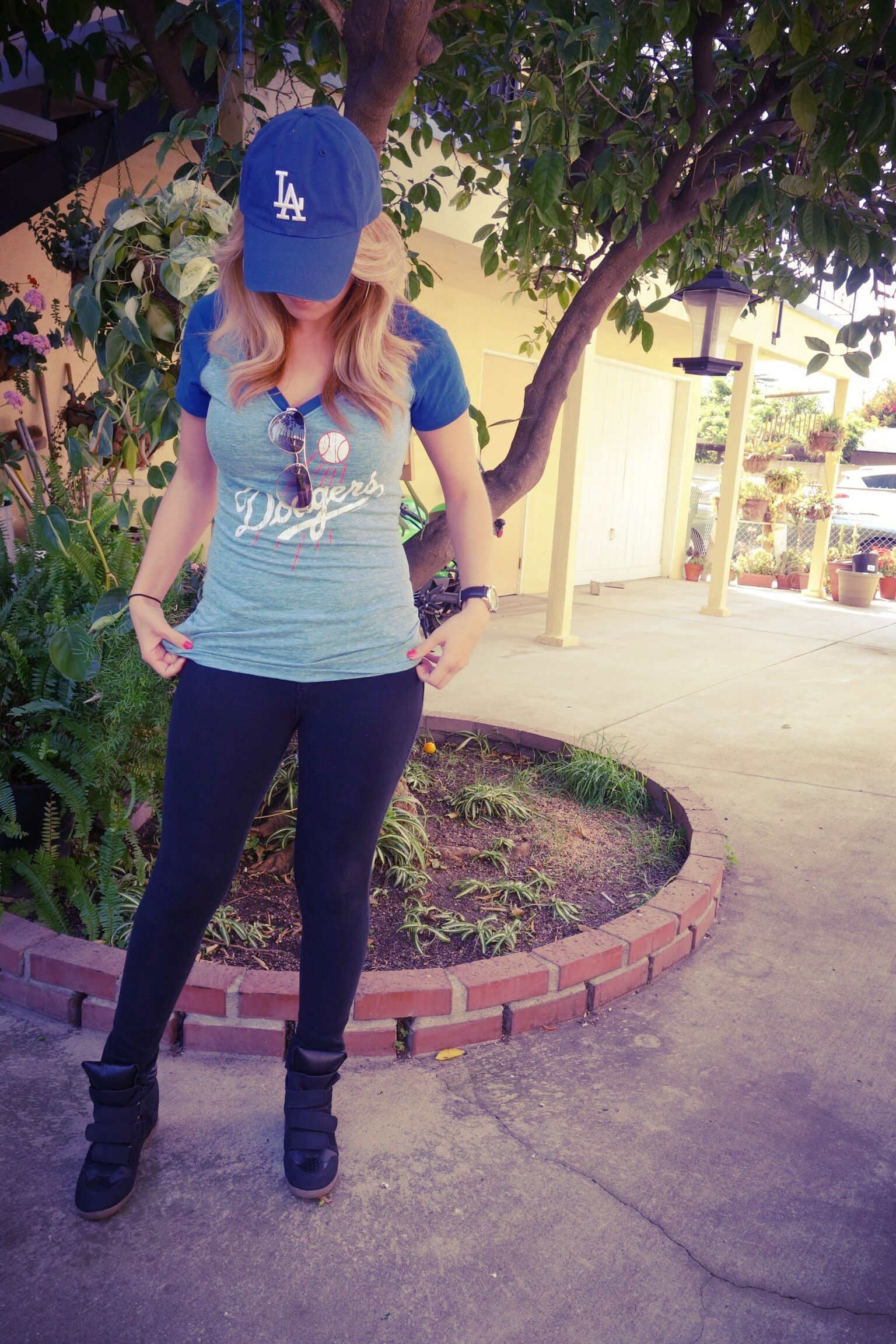 Pin By Stephanie On My Fashion Dodgers Outfit Gaming Clothes Hats For Women