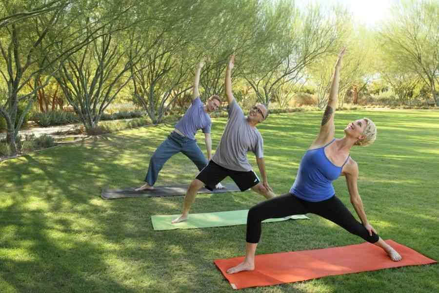 Yoga On The Lawn Sunnylands Palm Springs Sport Zdorove Les