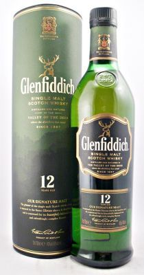 Glenfiddich 12 Year Old Single Malt Whisky 40 70cl Matured In The Finest Oloroso Sherry Bourbon Casks Con Imagenes Botellas Comida Bebe