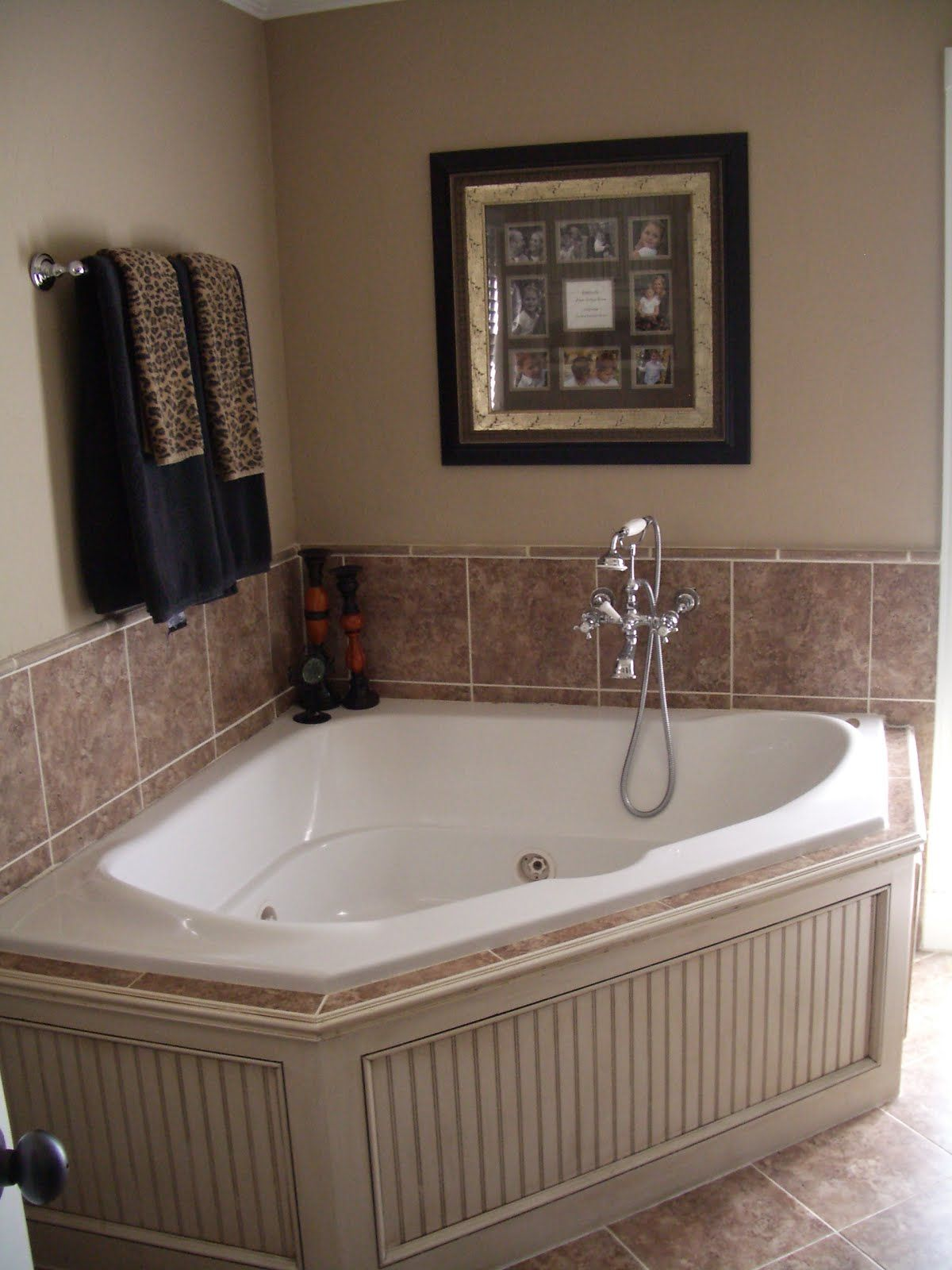 paint color/treatment on the tub surround | For the Home | Pinterest ...