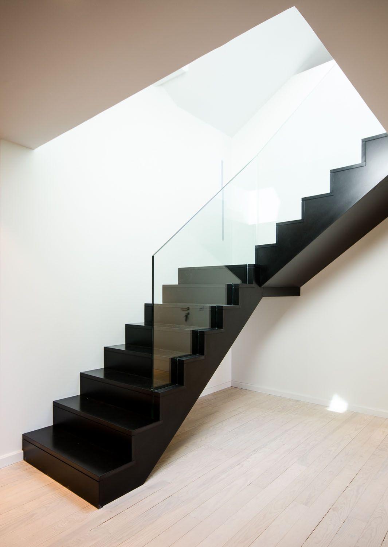 strasbourg-modern-duplex-attic-apartment_11