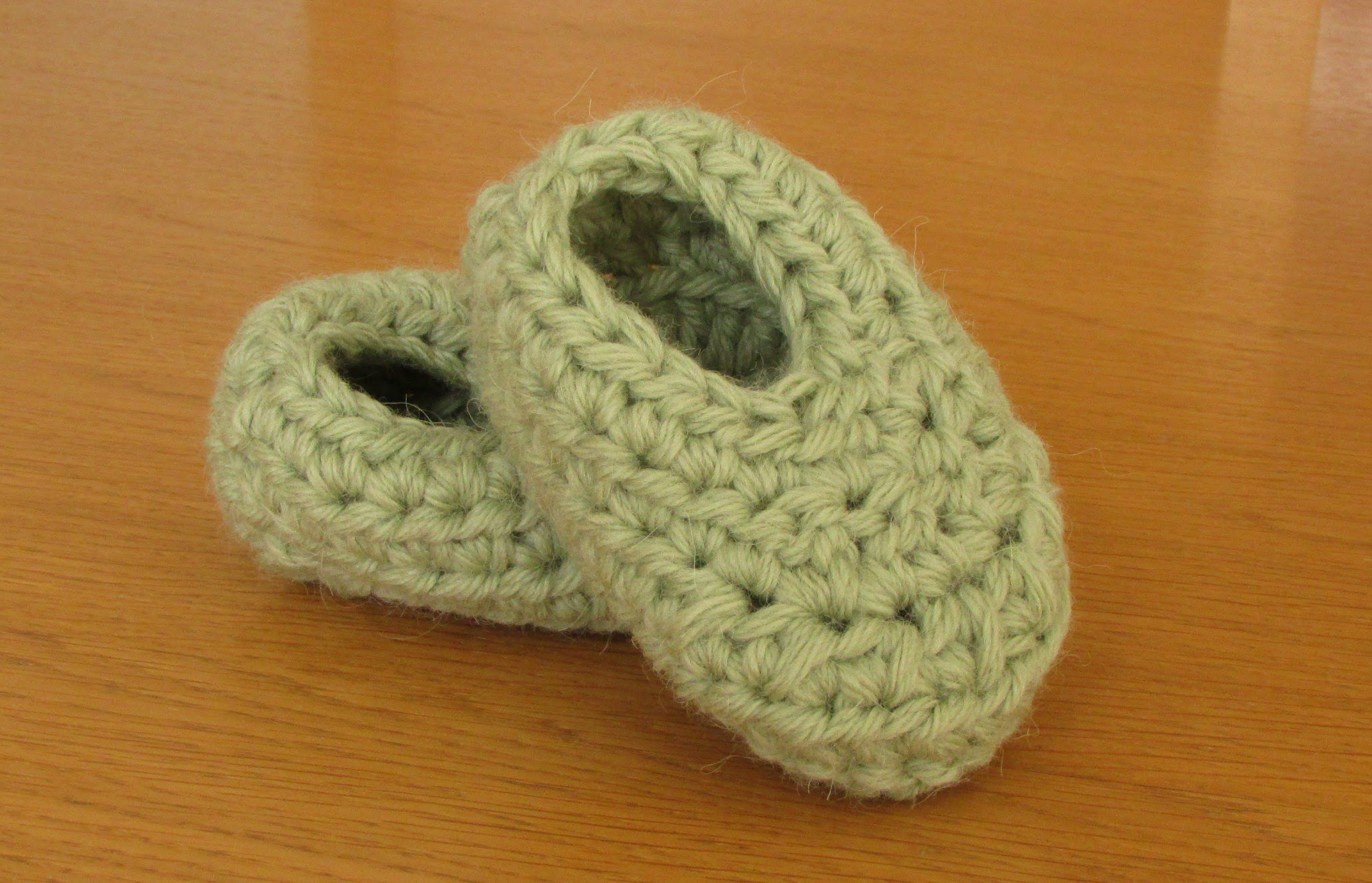 Very easy basic crochet booties tutorial booties for beginners crocheted baby booties bankloansurffo Image collections